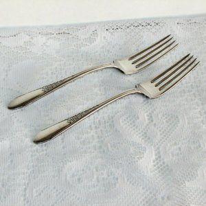 2 ROGERS GARDENIA Silverplate Dinner Forks 1941